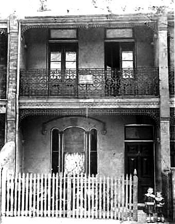 13 Charles St.  Newtown. 1909.  Florence and Nellie Tarran.