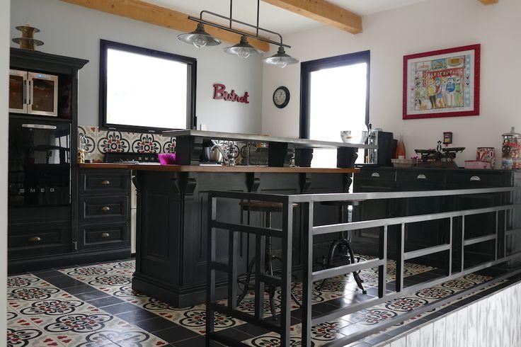 Une  cuisine aux allures de bistrot à Béziers, entièrement réaménagée par une passionnée de déco Pamela G.
