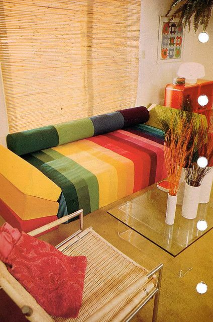 daybed love: New Houses, Living Rooms, 1970 S, Fashion Design, Rainbows, Colors Home, Interiors Design, 1970S Decor, 1970S Interiors