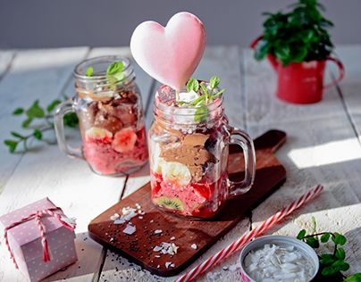 "Check out new work on my @Behance portfolio: ""Valentine's treats"" http://be.net/gallery/34206631/Valentines-treats"