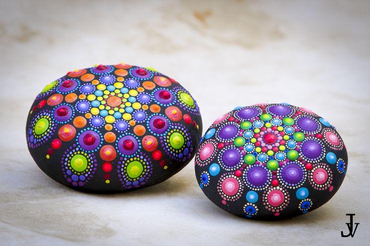mandala dot painting stones