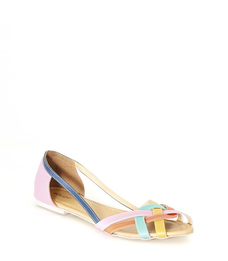 Wow! Look at this fabulous product! I've found at SophieParis.  http://www.sophieparis.com/id/index.php/women/shoes-sandals/odelia-shoes.html?color=437 #SophieParis