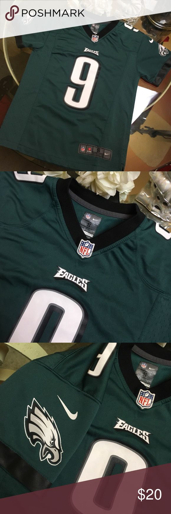 Nike NFL eagles FOLES jersey Excellent condition! No fading, stains , or holes! Nike Shirts & Tops