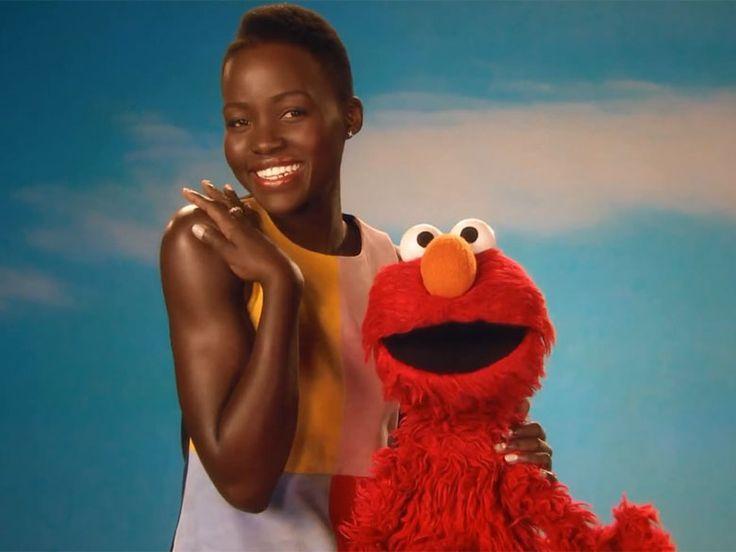 "Lupita Nyong'o célèbre la beauté de la peau dans ""Sesame Street"""