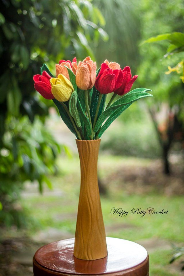 Crochet Tulip Flower Arrangement by Happy Patty Crochet // Patterns and instructions for Crochet Tulips for Arrangement and Bouquets #crochettulip #crochetloveflowers #crochetpattern