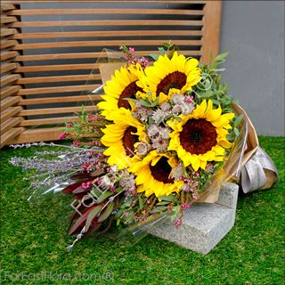 Welcome to FarEastFlora.com, your Singapore Florist ~ Make Someone Smile Today