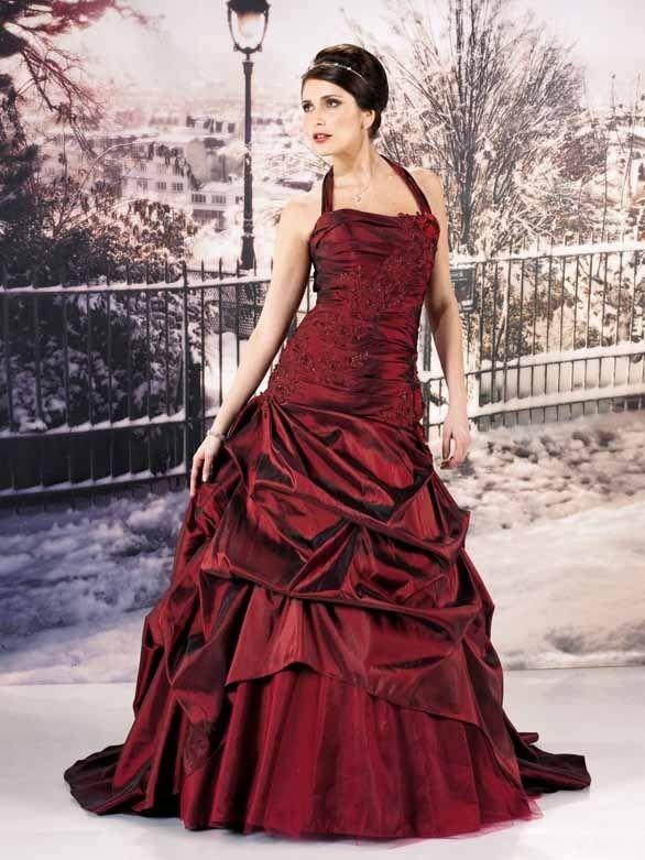 Hochzeitskleid Weinrot