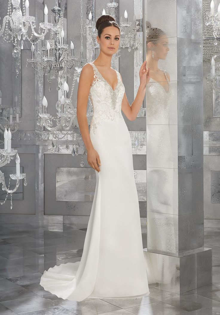 Popular Style AXFI Myka Wedding Dress Elegant Silky Chiffon Wedding Dress Featuring Diamant Beaded Embroidery and Lace Appliqu s Along the Deep V Neckline and