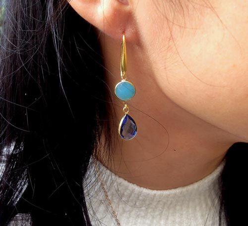 Øreringe med blå glasvedhæng