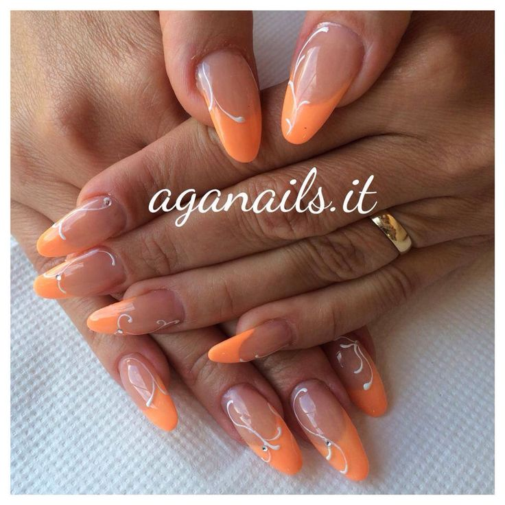 Ricostruzione unghie in acrilico. French color pesca.   #unghie #nail #nails #gel #acrilico #donne #moda #bellezza #girl #peach #ricostruzione #foreverme