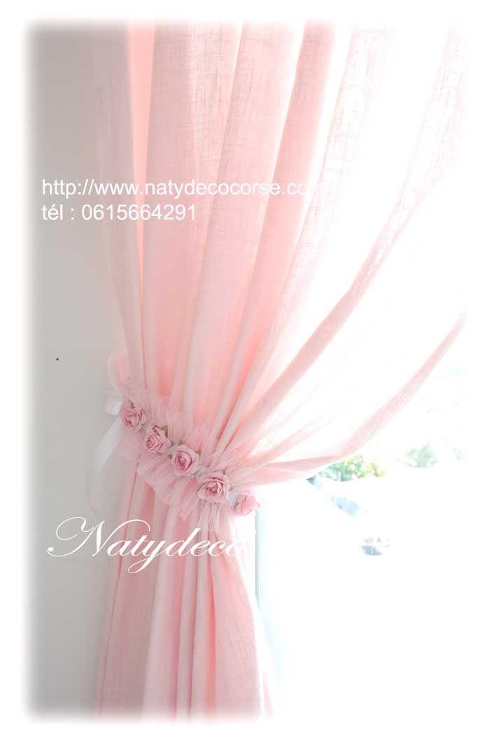 NOUVEAUTE Embrasse de rideau tutu rose possible en blanc avec fleurs blanches pour allez avec ma gamme d abat jour et suspension déhoussable et lavable en vente sur mon site http://www.natydecocorse.com