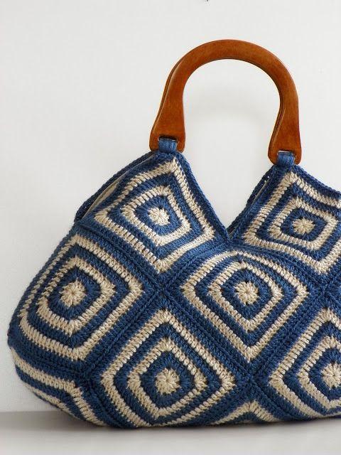 Crochet con bolsos y tacones