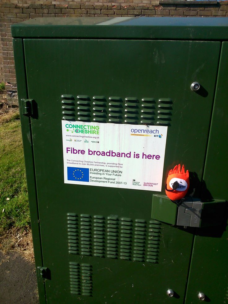 Connecting Cheshire's Fibre Guys visit another new live cabinet