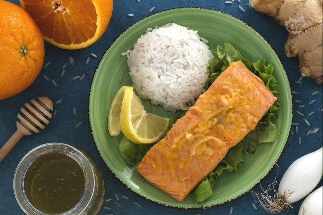 Ricetta Salmone agli agrumi con riso pilaf - Le Ricette di GialloZafferano.it