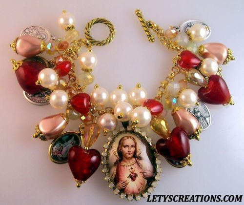 """Divine Love"" Sacred Heart of Jesus Saints Catholic Medals Religious Bracelet   eBay www.letyscreations.com #sacredheartofjesus #catholic #jewelry"