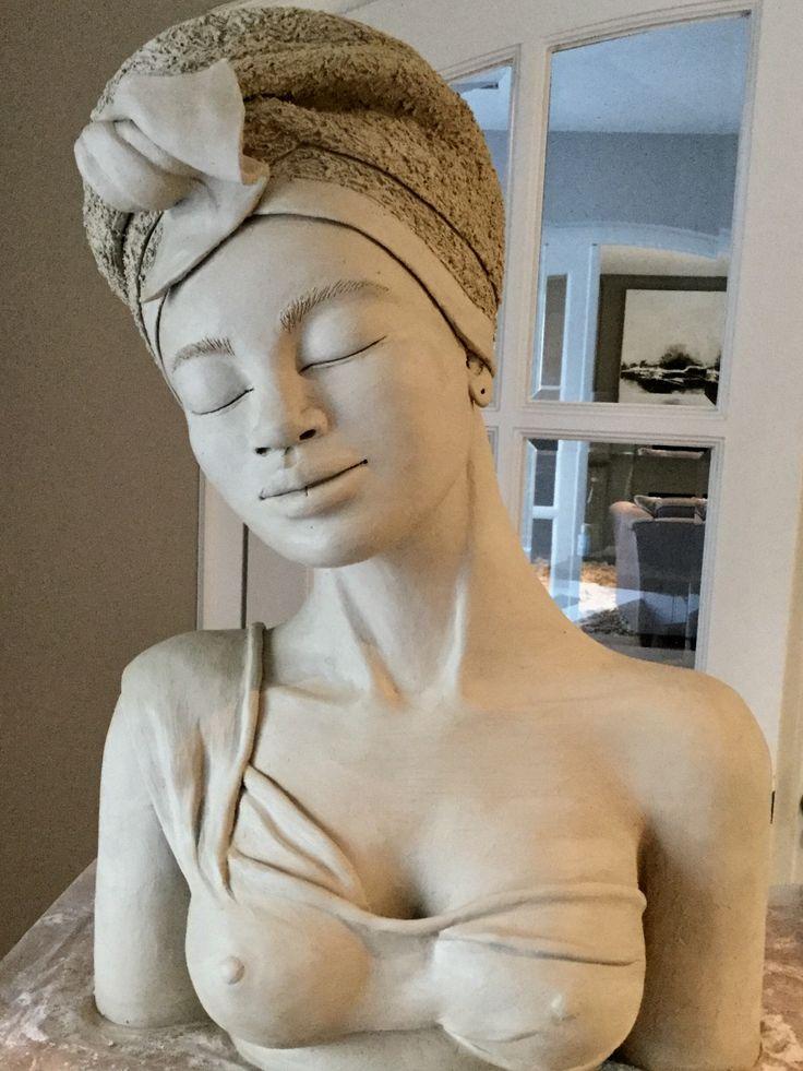 Clay sculpture www.magda Meijer.com