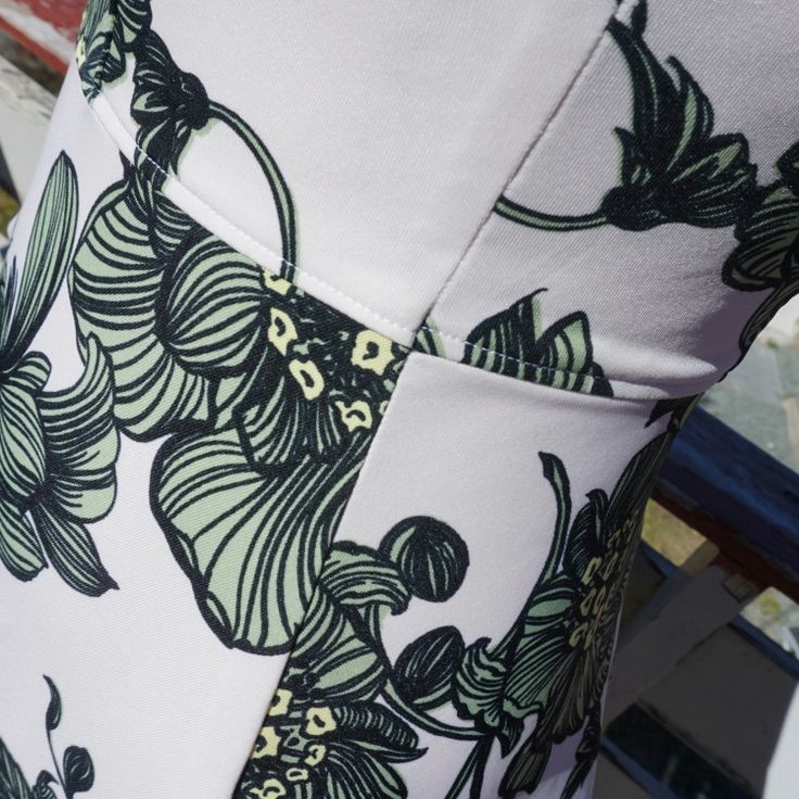 My Tinker Bell dress (Zephyr dress from Deer and Doe)