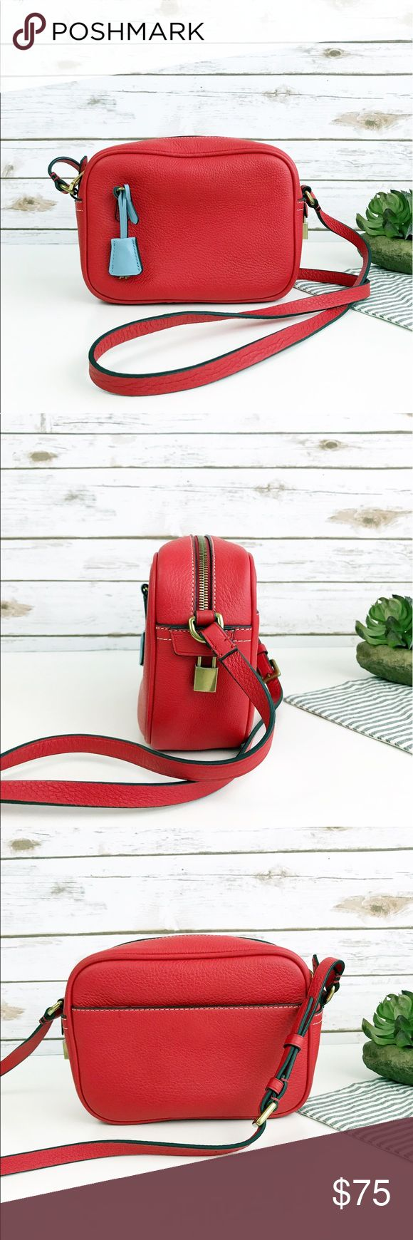 """J Crew Signet Bag in Italian Leather Leather Crossbody with zip closure and colorful leather key fob. Inside pocket. Dimensions: 6 1/8""""H x 8 3/8""""w x 2 3/4""""d. Adjustable strap: 24"""". Used once, in excellent condition. Smoke-free, pet-free. J. Crew Bags Crossbody Bags"""