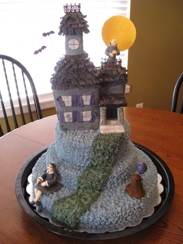 Addams Family house cake. This is too cool!
