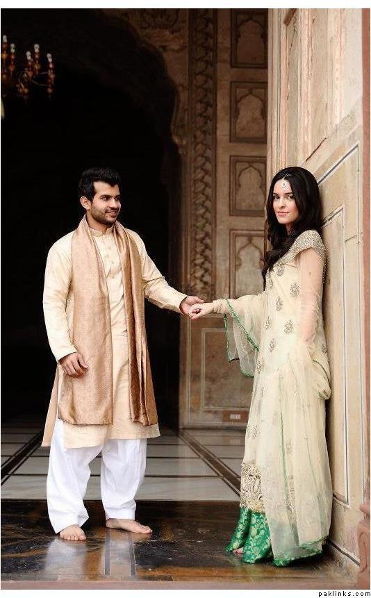 Maybe flip the colors for the mehndi (white lehnga, green shirt)