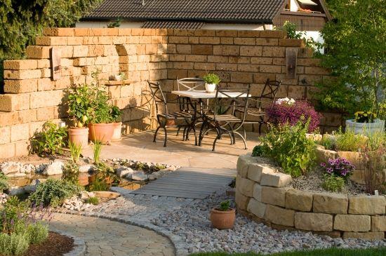 Terrassensitzplatz mit Ziegelmauer Gartenideen Pinterest - sitzplatz im garten mit steinmauer