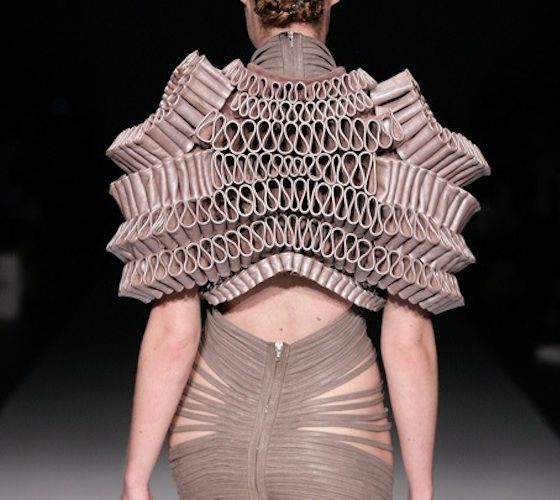 Industrywatch: Doneger Group Describes Fashion's Future at FIDM LA  http://blogs.fidm.com/my_weblog/2012/08/doneger-group-describes-fashions-future-at-fidm-la.html# dont like the uper part but the lower woupd make a nice dress back