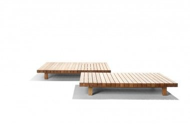Wooden coffee table from the outdoor collection Vis à vis sofa from Tribù