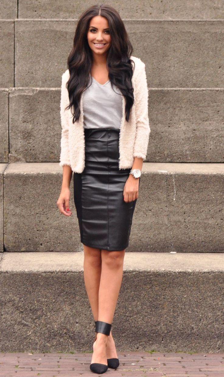 Благодаря разнообразию фасонов, длины, цветовых решений и превосходной сочетаемости с другими элементами гардероба кожаные юбки пользуются огромной популярностью