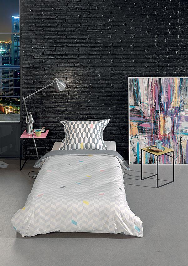 17 meilleures id es propos de lits avec oreillers sur. Black Bedroom Furniture Sets. Home Design Ideas