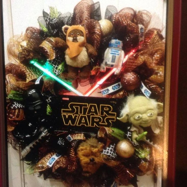 step back into star wars with this awesome star wars wreath complete with yoda darth star wars christmas lightsstar - R2d2 Christmas Lights