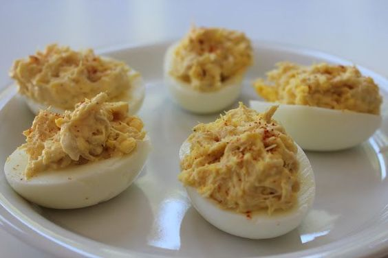 No carb recipes Zero carb recipes Lunch  A different, NO carb, take on Deviled Eggs  No carb tuna deviled eggs  6 hard boiled eggs 1/4 cup mayonaise 1 Tbsp mustard 1 Tbsp cayenne pepper 1/2 can albacore tuna salt and pepper