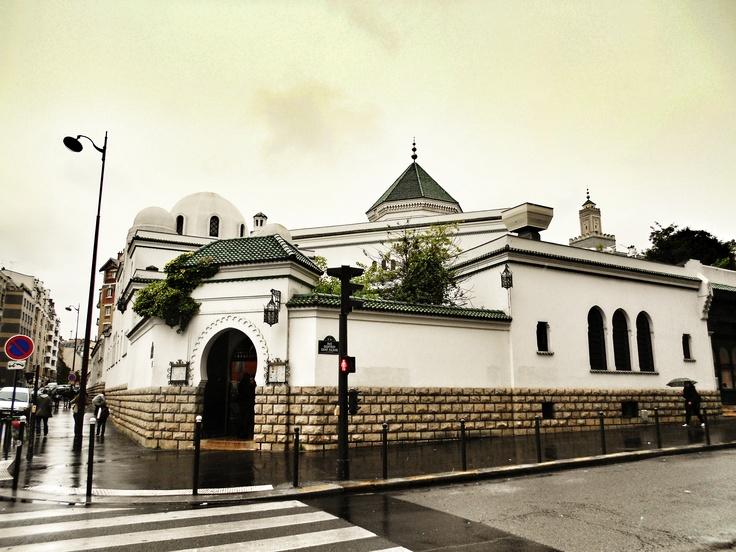 Grande Mosquée de Paris, France. Die Große Pariser Moschee, Frankreich.  Paris Mosque, France.