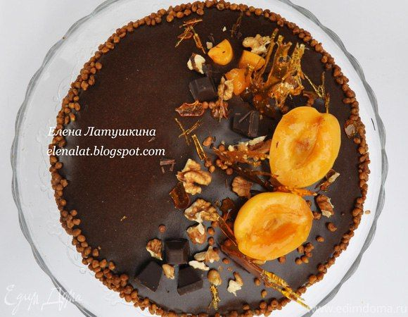 Торт «Шоколад, кофе, курага»  В этом десерте отлично сочетаются три самодостаточных вкуса: шоколад, кофе и курага. Нежный, пропитанный бисквит, воздушный крем и легкая фруктовая кислинка. Вам понравится! #готовимдома #едимдома #кулинария #домашняяеда #торт #десерт #шоколад #кофе #курага #фруктовый #шоколадный #кислинка #чаепитие #угощение