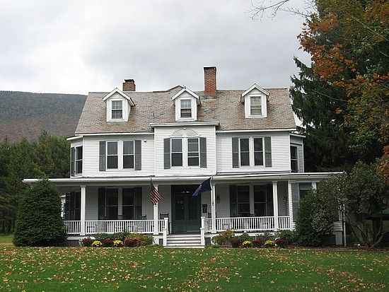 Best 25 new england style homes ideas on pinterest new for New england style homes