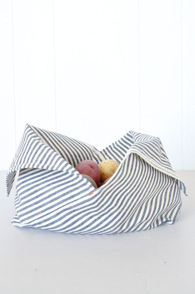 Great for buying grains, pastas, nuts and produce or using as a lunch or snack bag without using disposable plastic bags. These Bento bags are a great kitchen s