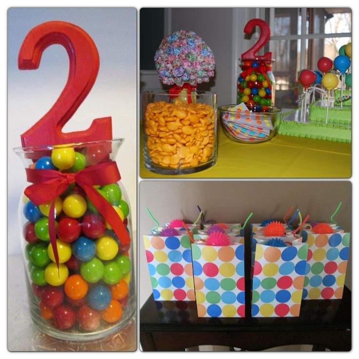 favor bags-polka dots=balls, also like the centerpiece