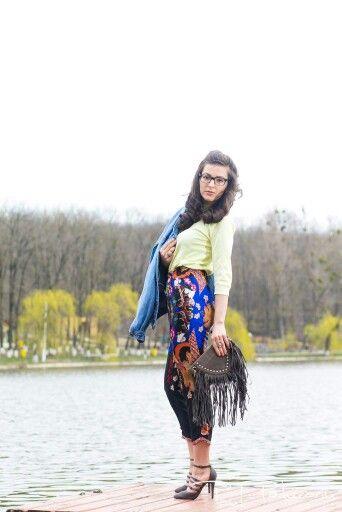 Fashion Blogger  www.ramonacervenciuc.ro  #denim #springoutfit
