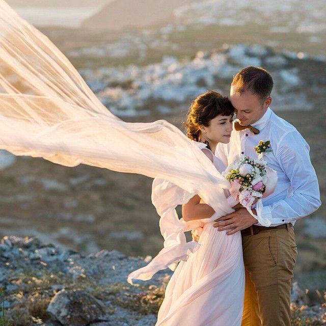 That romantic scenery of #Santorini! #Wedding  Photo credits: @santoweddings_