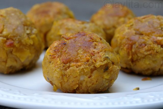 I'd go back to Ecuador JUST for these. Bolon de verde - green plaintain dumplings stuffed with cheese or chorizo. Sometimes, they even drop them into soup - drool.