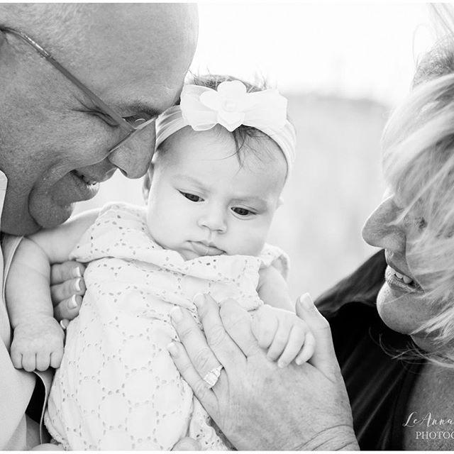 Beach Family Photos | NJ Beach Photos | LBI Beach Portraits | NJ PHotographer | LBI Photographer | South Jersey Photographer | LeAnna Theresa Photography #njmoms #lbi #lbiphotographer #lbiportraits #lbibeachportraits #longbeachisland #njportraits #njfamilyphotogra