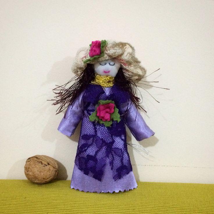 #handgraft, #biblo, #baby_girl, #miniature, #collection, #authentic , #fabric_baby, #chld, #birthday_gift, #Christmas_gift, #noel_gift, #beautiful, #baby_hat, #baby_#dress, #el_sanat, #minyatür, #biblo, #oyuncak_bebek, #pink, #lavender, #kumaş, #şapkalı_kız_bebek, #hediye, #koleksiyon, #yılbaşı_hediye, #doğumgünü