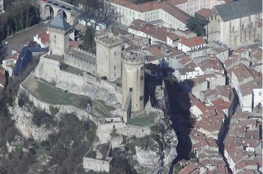 le chateau de Foix vu du ciel