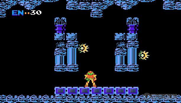 Un 6 de agosto de 1986 se estrenaba en las consolas Famicom (NES en Japón) el revolucionario videojuego Metroid título dirigido por Yoshio Sakamoto y producido por Gunpei Yokoi. El videojuego ha sido catalogado como uno de los mejores videojuegos de la Nintendo Entertainment System y así lo demostró con su mundo abierto interconectado por puertas que podremos abrir si tenemos los misiles o rayos correspondientes.  Al mismo tiempo Metroid escondía cientos de secretos por ser descubiertos…