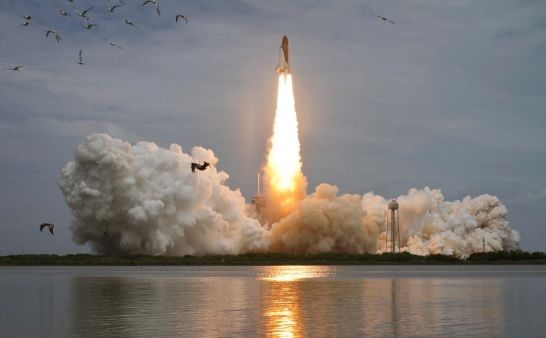 Decolagem do Ônibus Espacial Atlantis em sua última missão