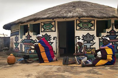 south African huts | South Africa Travel Images: Ndebele women, Johannesburg.