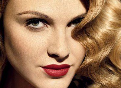 glamorellaRed Lipsticks, Makeup Tutorials, Beautiful, Winter Makeup, Makeup Ideas, Fingers Waves,  Lips Rouge, Hair, Eye