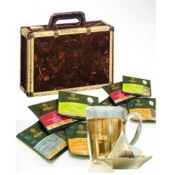 Experience the world of tea with the eyes of a connoisseur - with the genuine EILLES Tea Diamonds - the tea brand of 5 star hotels! Beautiful jewelery box in the style of an antique travel suitcase, lovingly designed with hinted metal corners. We fill the gift box with 10 individually packaged EILLES Tea.