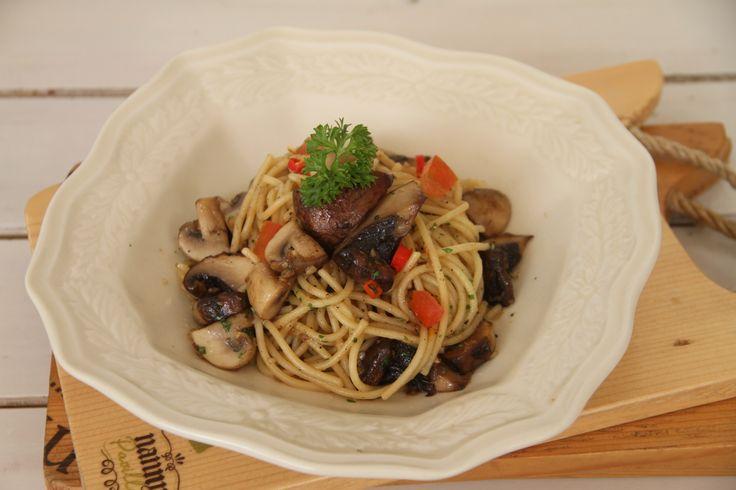 Robert's Spaghetti Olio Mushroom #nannyspavillon #food #pasta