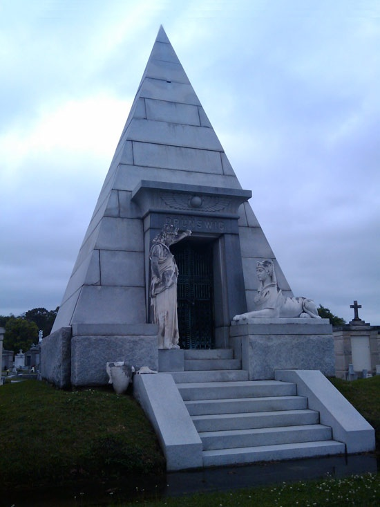 Lucien napoleon brunswig egyptian tomb metairie for Metairie architects
