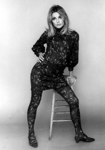 Sharon Tate. Casada com o diretor Roman Polanski, Sharon era um dos nomes mais promissores de Hollywood – até seu trágico assassinato liderado pelos seguidores da seita de Charles Manson quando estava grávida de oito meses.